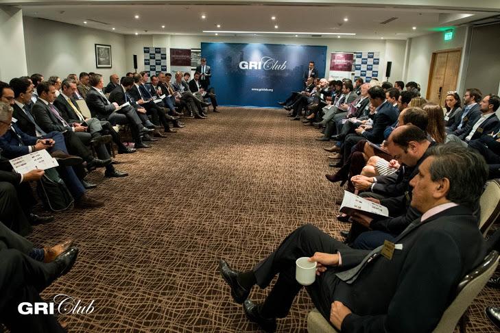 Over 100 sênior executives attended